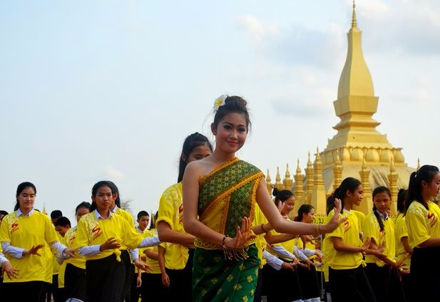 photo-dance-traditionnelle-cambodgienne
